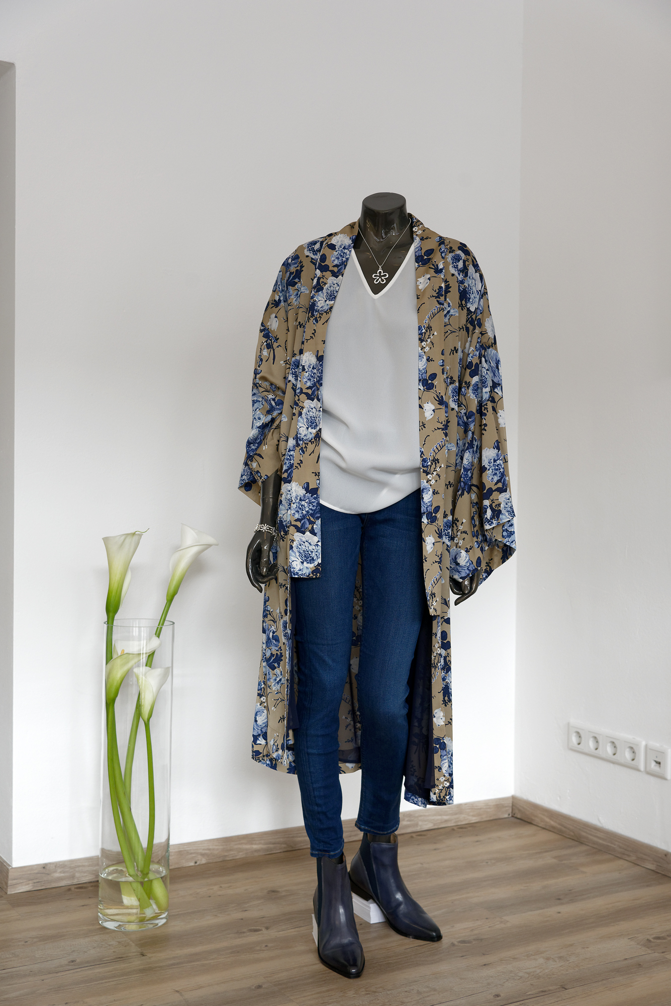 98e5a9eeff0fd7 Outfit mit Kimono: Damenmode in Hannover - Modegeschäft STANDART